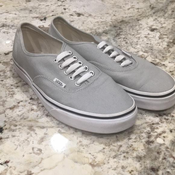 703c03bed3 VANS Authentic Light Grey Sneakers. M 5b60d5edc2e88e64b1cb0fbe